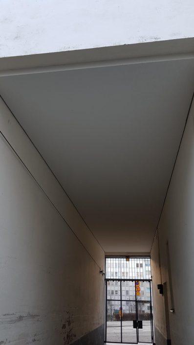 porttikongin viottuneen katon korjaus